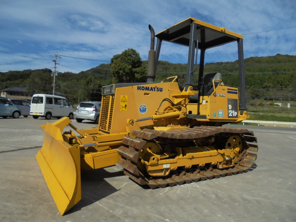 Used Construction Machine used Bulldozer KOMATSU D21P-8 Photos