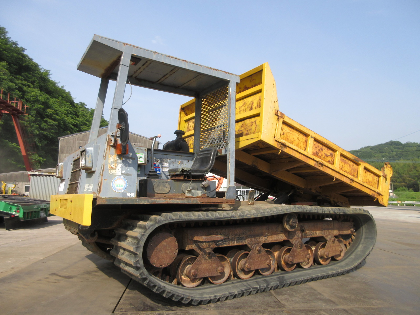 Used Construction Machine used  MOROOKA MST-1100 Photos