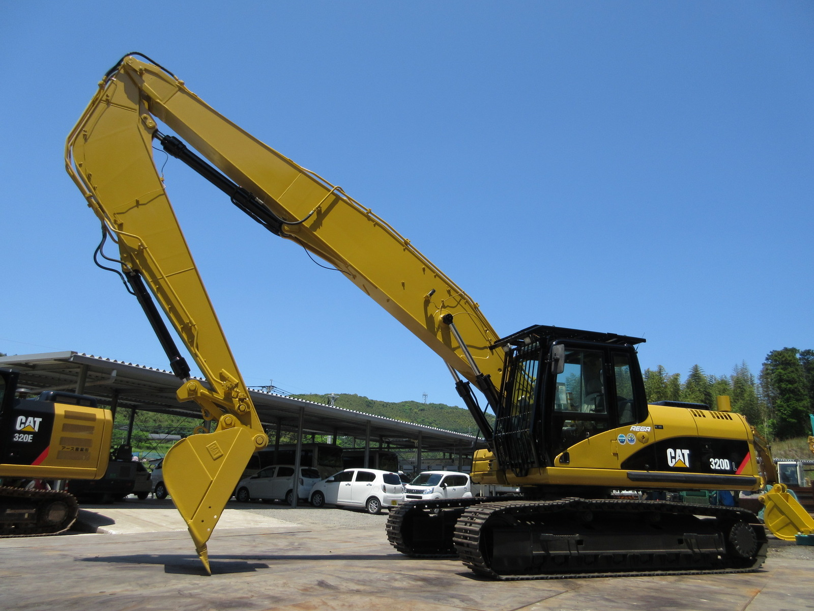 Used Construction Machine used Excavator CAT 320DL Photos