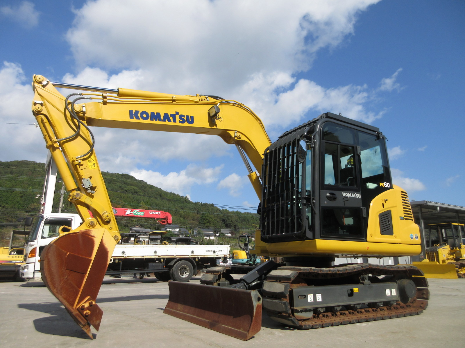 Used Construction Machine used Excavator KOMATSU PC60-8 Photos