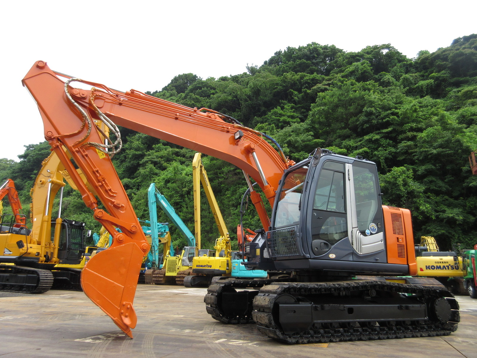 Used Construction Machine used  HITACHI ZX135USK-3 Photos