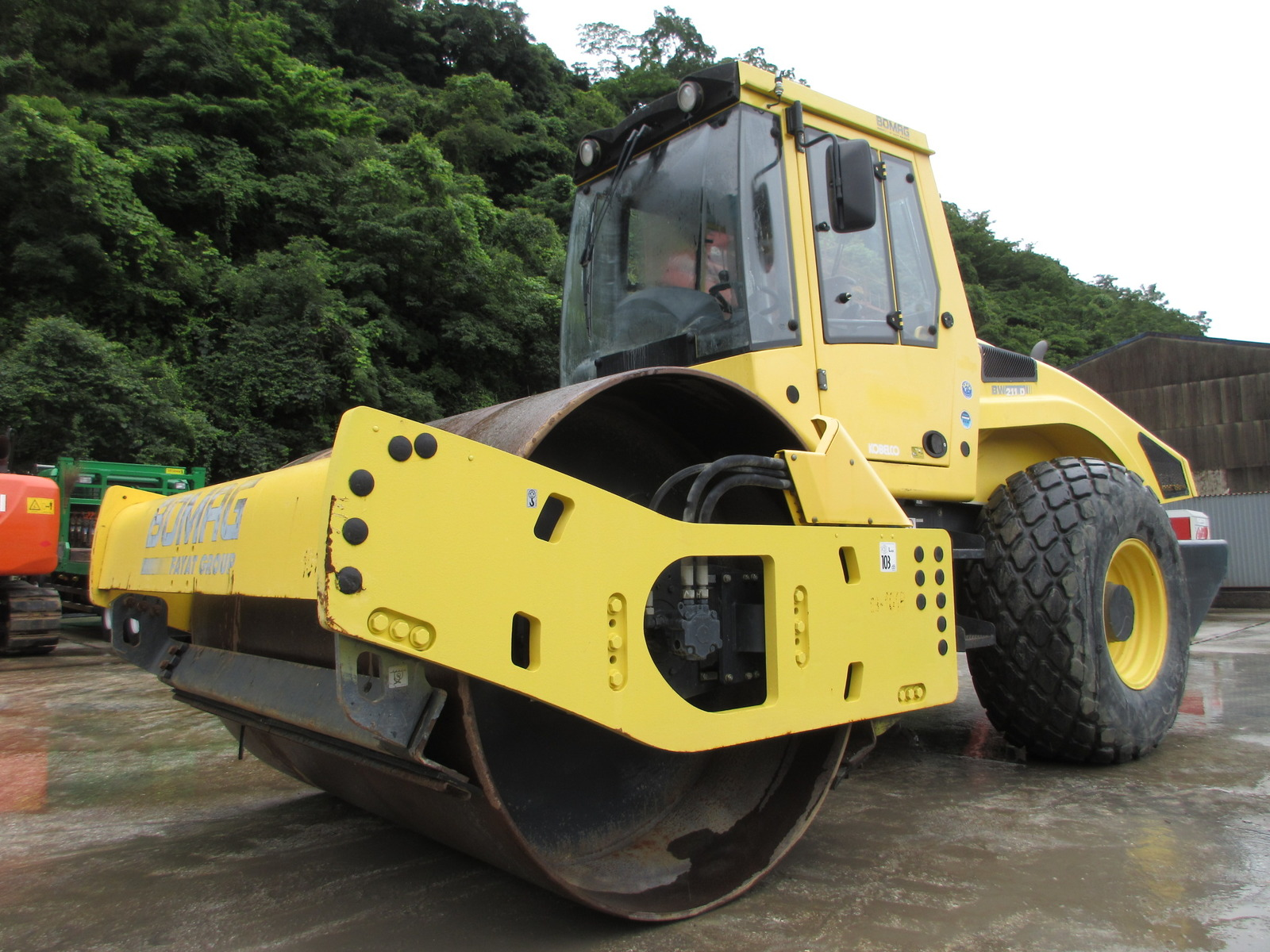 Used Construction Machine used  BOMAG BW211D-4 Photos