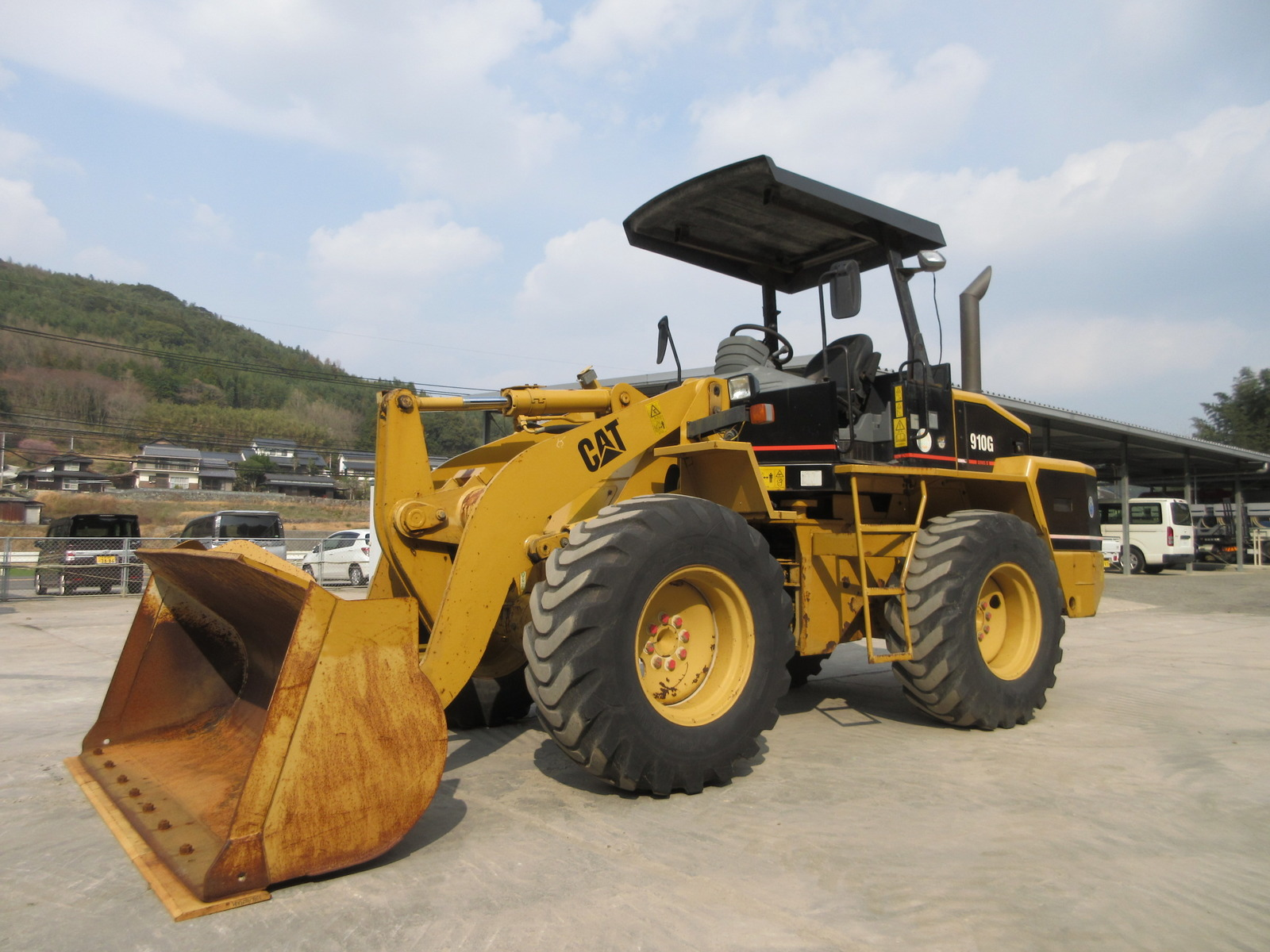 Used Construction Machine used  CAT 910G Photos