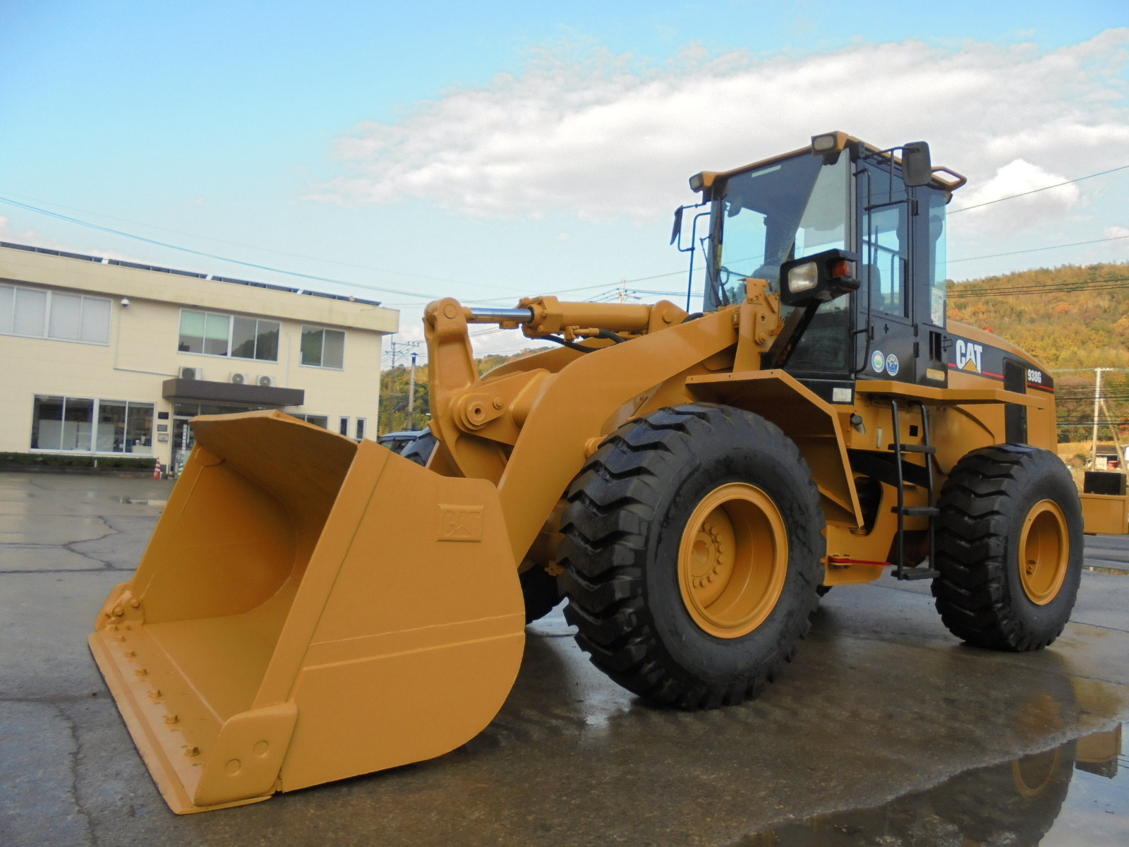 Used Construction Machine used  CAT 938G Photos