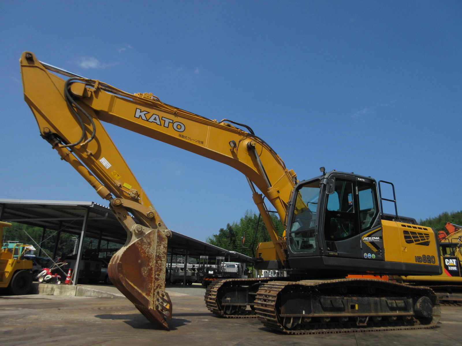 Used Construction Machine used Excavator KATO WORKS HD820-7 Photos