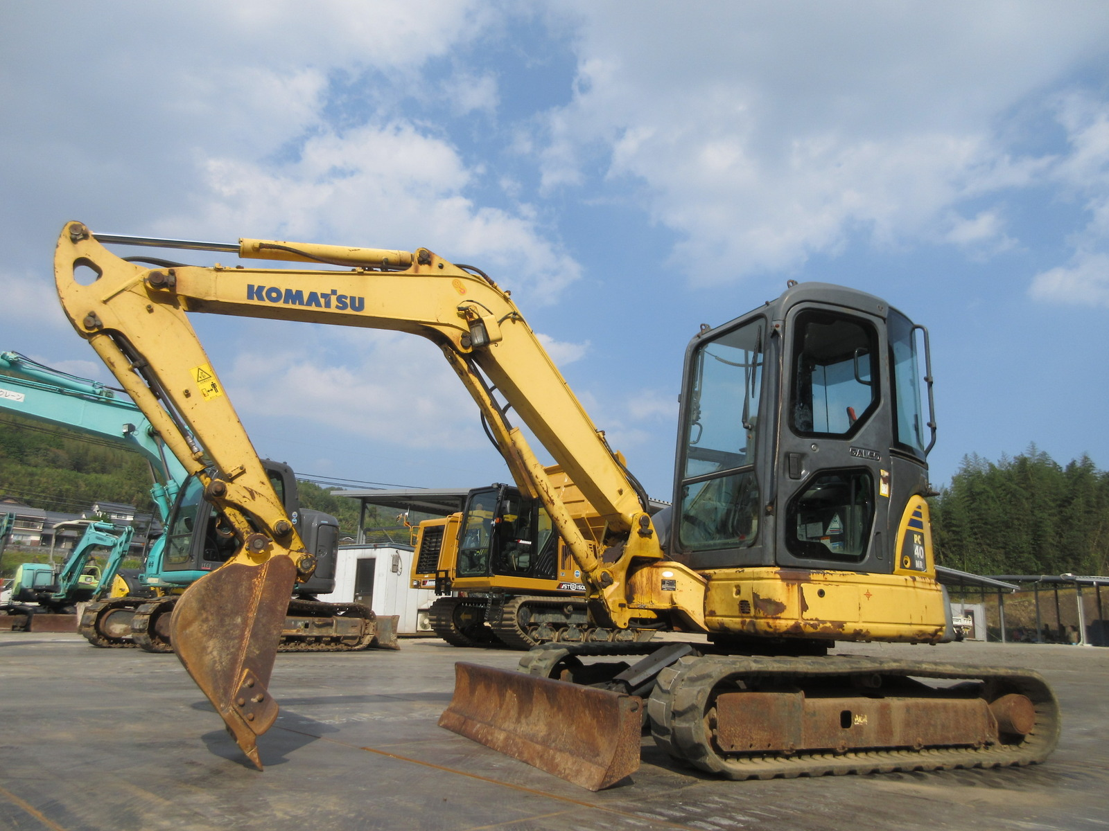 Used Construction Machine used Excavator KOMATSU PC40MR-2 Photos