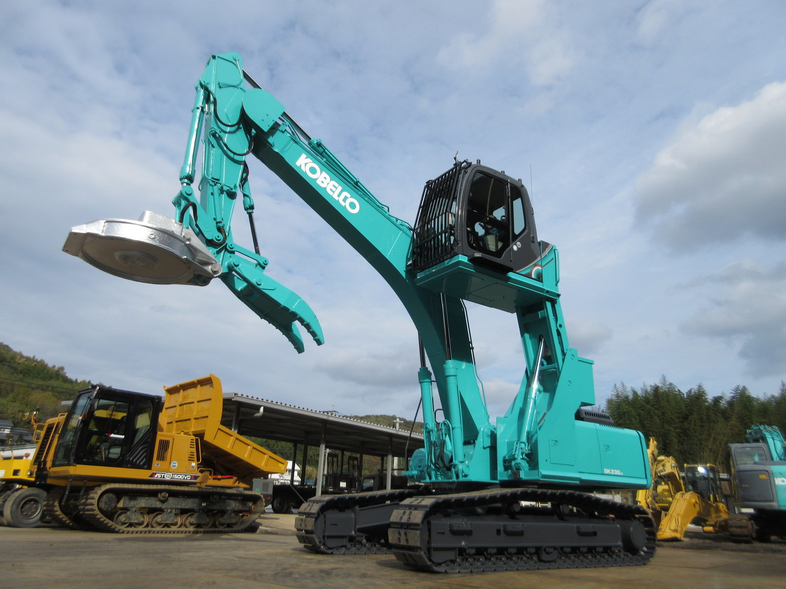 Used Construction Machine used Excavator KOBELCO SK230LC-6E Photos