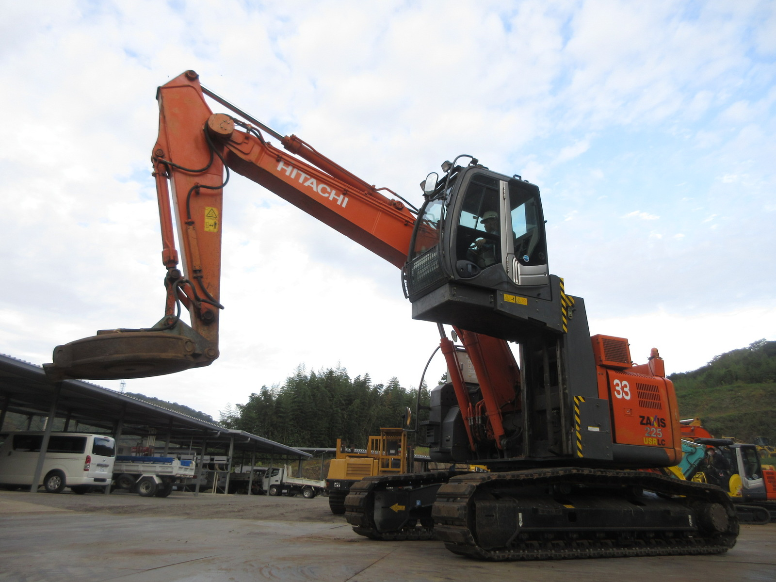 Used Construction Machine used Excavator DAIHEN ZX225USRLC-3 Photos