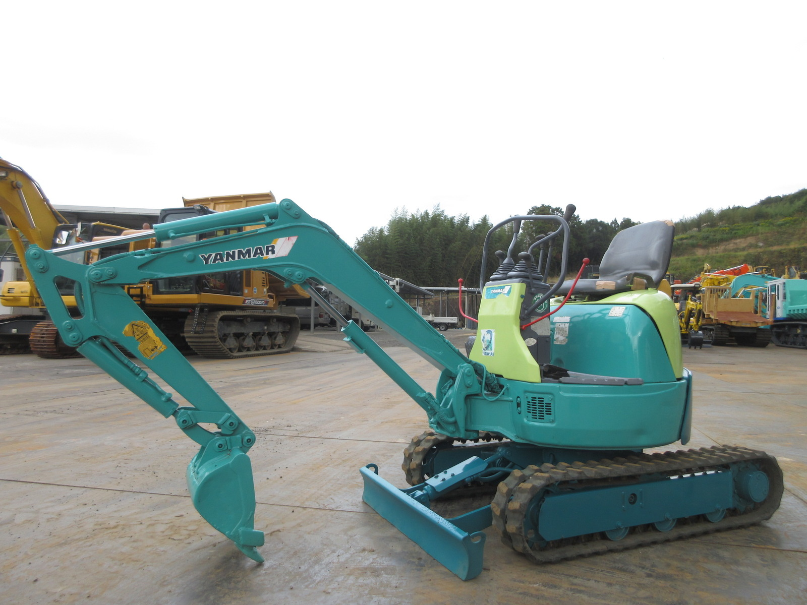 Used Construction Machine used Mini excavator YANMAR ViO10-1 Photos