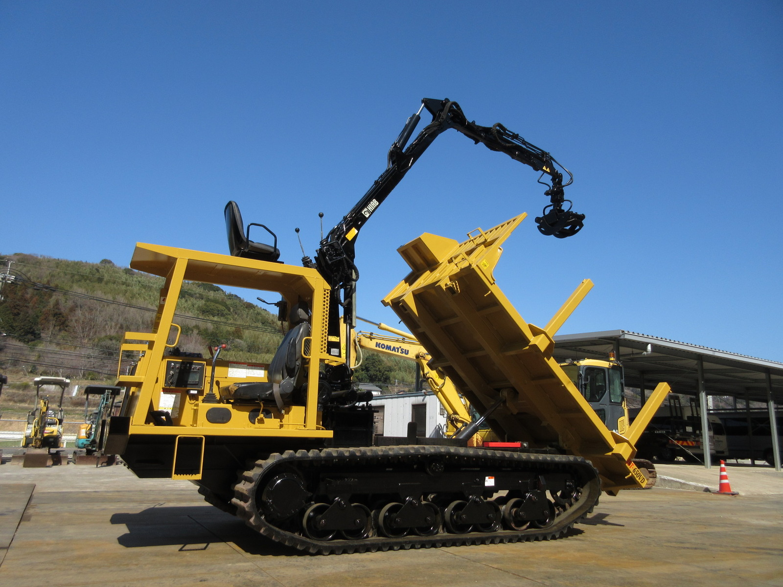 Used Construction Machine used Crawler carrier MOROOKA MST-650VDL Photos